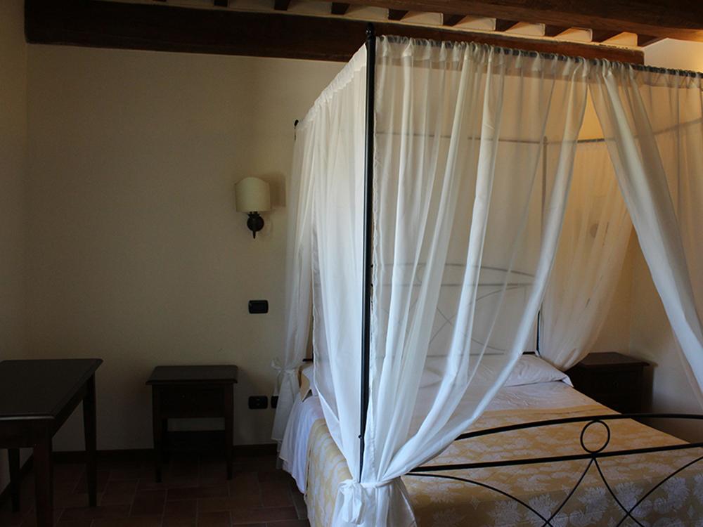 camere-appartamenti-camerino-agriturismo-le-arcate-di-santangelo-9
